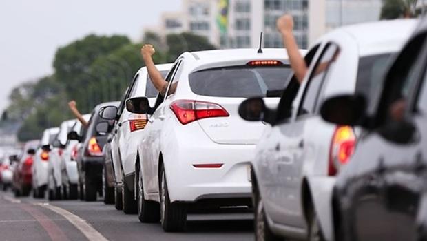 Uber contesta decreto da Prefeitura de Goiânia que obriga identificação de carros