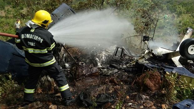 Aeronave com quatro passageiros cai na cidade de Goiás