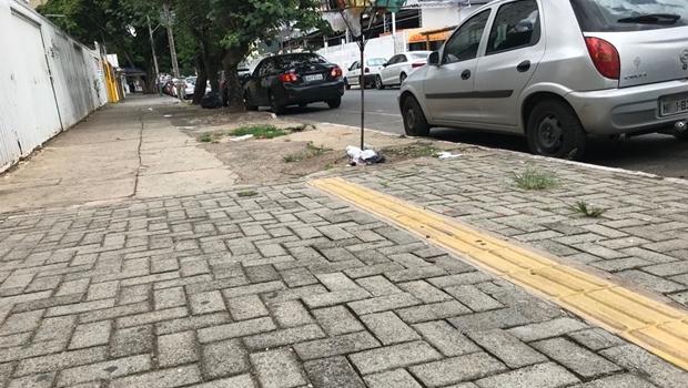 Projeto de lei proíbe uso de água potável para limpeza de calçadas em Goiânia