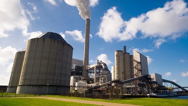 Indústria brasileira cresce pelo sexto mês consecutivo