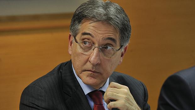 Ex-governador de Minas é condenado por tráfico de influência e lavagem de dinheiro