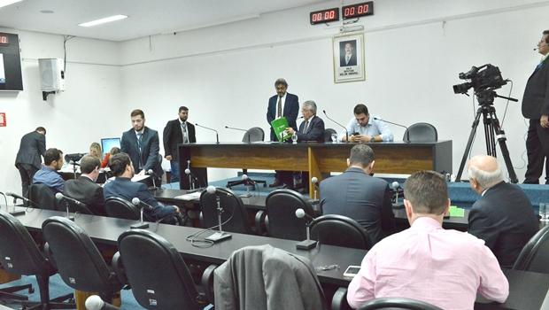 Alteração no Regimento Interno prevê corte de ponto de deputados faltosos
