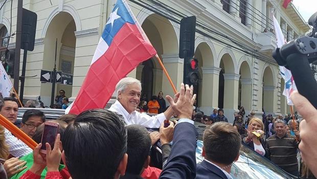 Chile é estável e rico porque direita e esquerda são democráticas e adeptas da economia de mercado