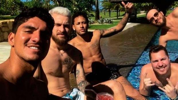 Neymar aluga mansão de ex-marqueteiro de Lula, envolvido no mensalão