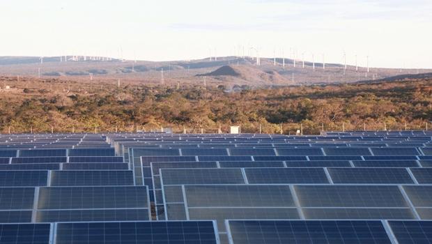 Governo de Goiás estuda propostas para ampliação de investimentos em energia solar