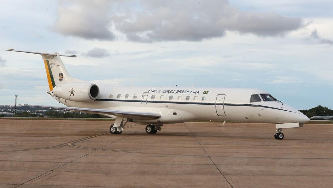 Comissão de Ética abre investigação contra ministros por uso de aviões da FAB