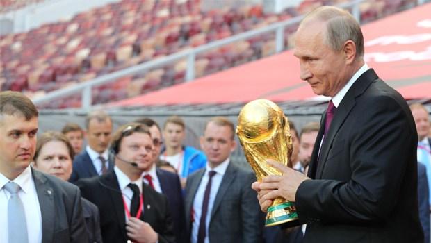 Em 2018, política internacional e futebol devem se misturar