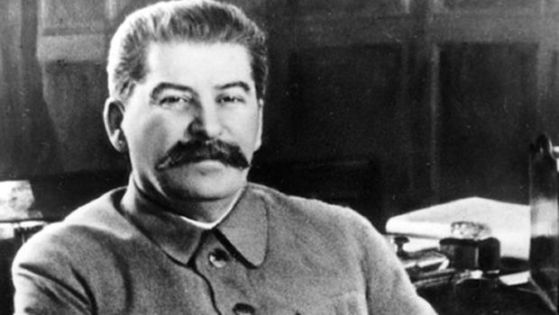 Livro sugere que Stálin pode ter sido assassinado por seus aliados