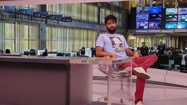 Ex-funcionário que vazou vídeo de Waack publica foto na cadeira do jornalista afastado
