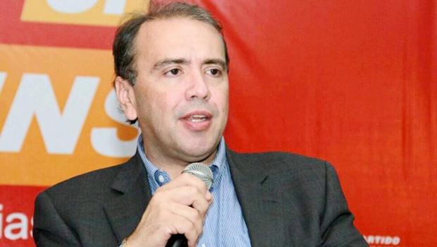 Eduardo Machado reassume comando PHS e partido deixa Daniel para apoiar Caiado