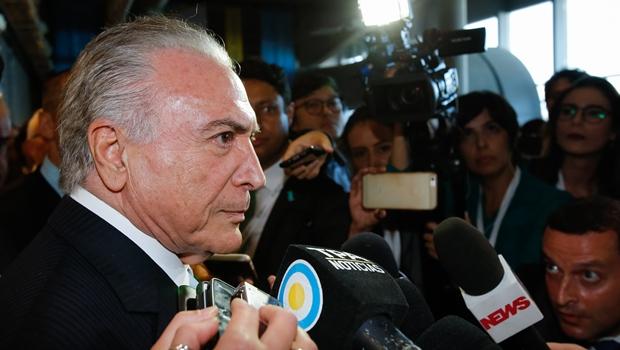 """Na Argentina, Temer diz que reforma da Previdência """"vai muito bem"""""""