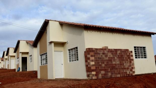 Marconi inaugura moradias e equipamentos comunitários em Cumari e Goiandira