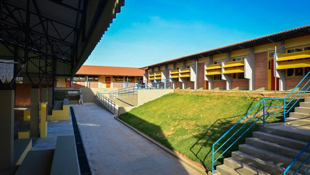 Até março, Marconi entregará 31 escolas padrão século XXI