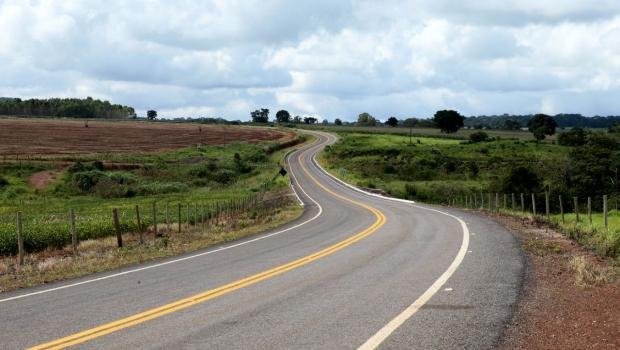 Marconi inaugura GO-566 e resolve problema de isolamento do distrito de Ordália