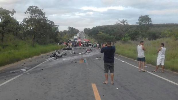 Acidente deixa pelo menos sete mortos em rodovia no norte de Minas