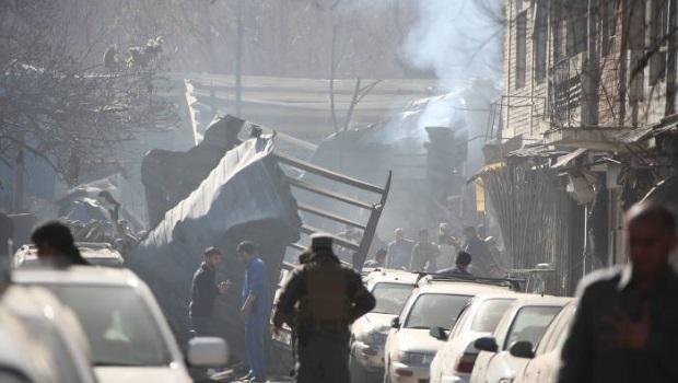 Explosão de ambulância-bomba deixa ao menos 63 mortos em Cabul
