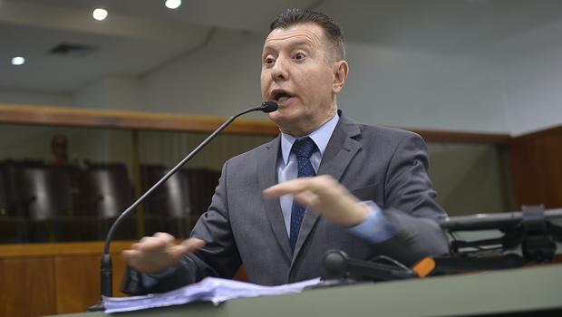 José Nelto critica servidores públicos de Goiás que receberam auxílio emergencial indevidamente