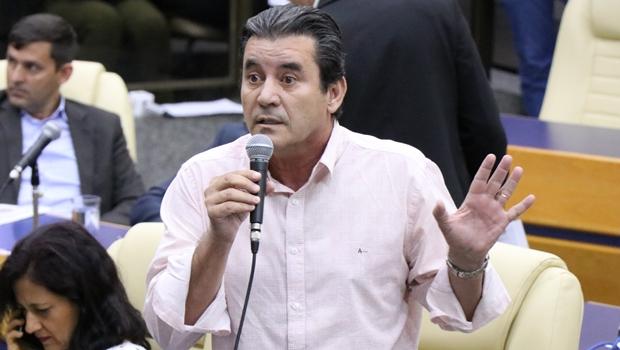 """""""Quase não me serve para nada"""", critica vereador sobre fundo para financiamento de campanha"""