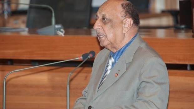 Ex-governador quer ser indenizado por ter sido alvo de investigação