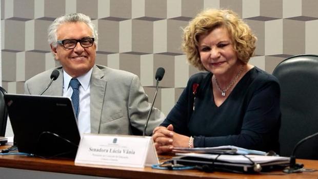 Foto de Lúcia Vânia e Ronaldo Caiado desagrada a base aliada