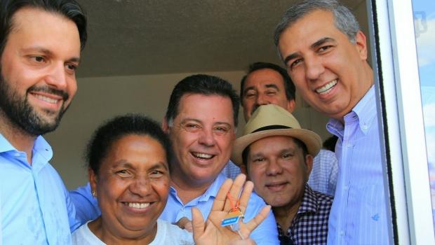 Marconi, Zé Eliton e Baldy beneficiam 640 famílias com apartamentos em Goiânia