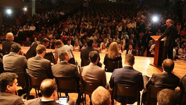 Novos auxiliares do governo de Goiás tomam posse