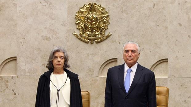 """""""É inadmissível e inaceitável desacatar a Justiça"""", diz Cármen Lúcia"""