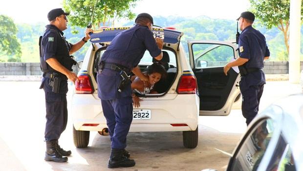 Guardas municipais agridem paciente com dor renal em UPA de Goiânia. Veja vídeo