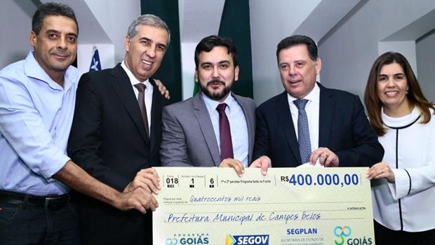 Marconi e Zé Eliton repassam parcelas do Goiás na Frente a mais 34 municípios