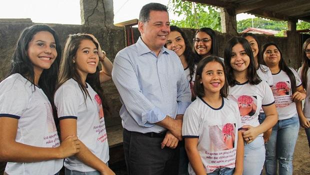 """""""Ajudando os prefeitos estamos ajudando o povo"""", diz Marconi em Cromínia"""