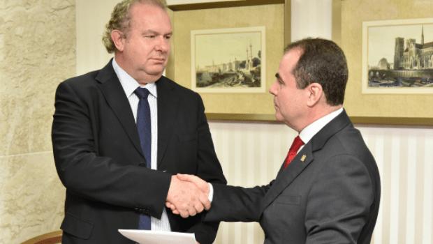 TRE do Tocantins destitui Marcelo Miranda e empossa Mauro Carlesse