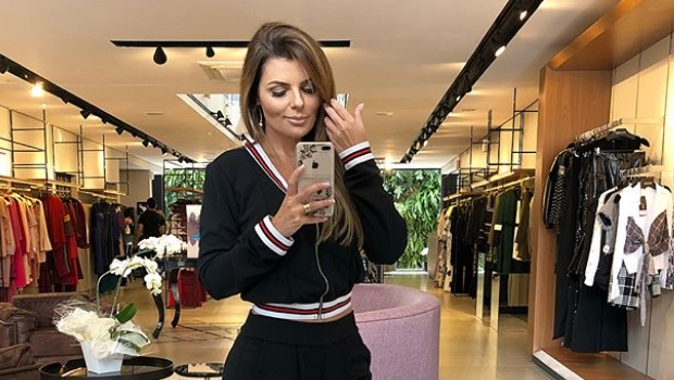 Blogueira denunciada por estelionato volta à rotina e é elogiada por seguidores