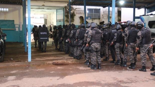 84 presos são transferidos do Complexo Prisional de Aparecida de Goiânia