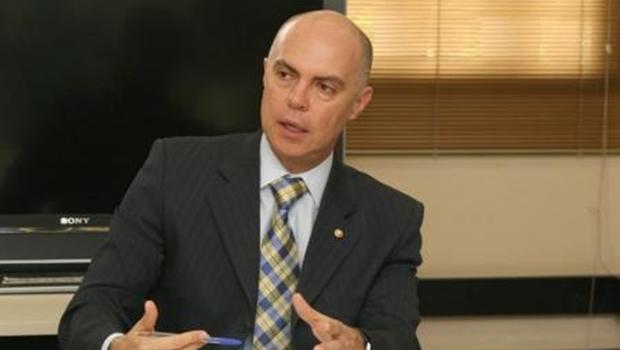 """""""Pessoas estão morrendo por falta de gestão da Prefeitura de Goiânia"""", afirma promotor"""