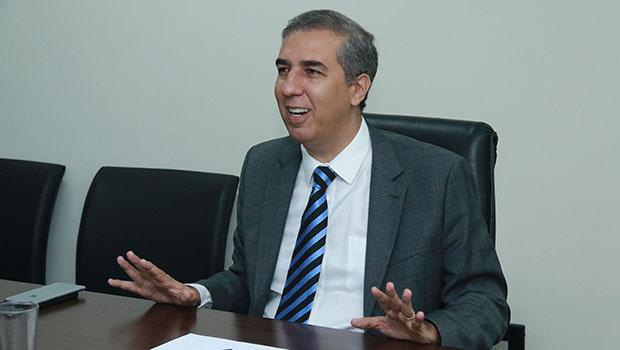 José Eliton frisa que todas secretarias terão de reduzir frota terceirizada de veículos