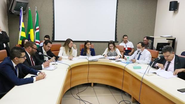 Projeto de regulamentação fundiária recebe emendas e pedido de vista na CCJ