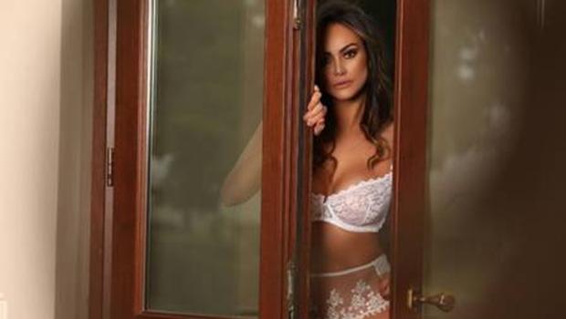 Sem Playboy no Brasil, coelhinha goiana muda de país para poder posar nua. Veja ensaio