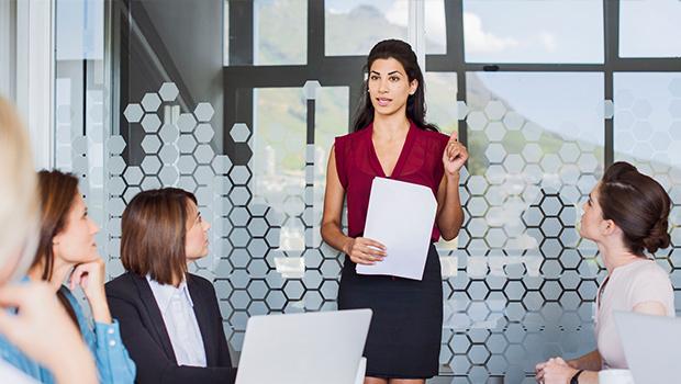 Para igualar salário dos homens, mulheres precisam trabalhar três meses a mais por ano