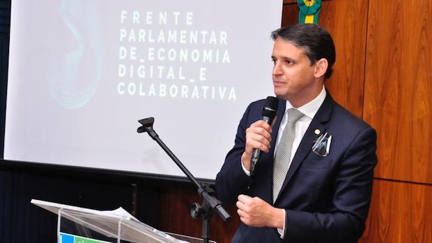 Thiago Peixoto pede atenção para regulamentação feita por municípios a leis de aplicativos