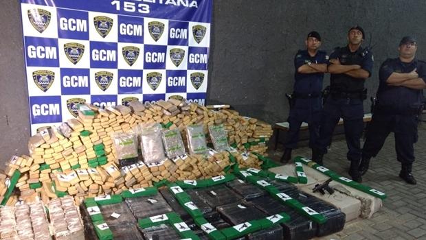 Carro com 1 tonelada de drogas é apreendido em Goiânia