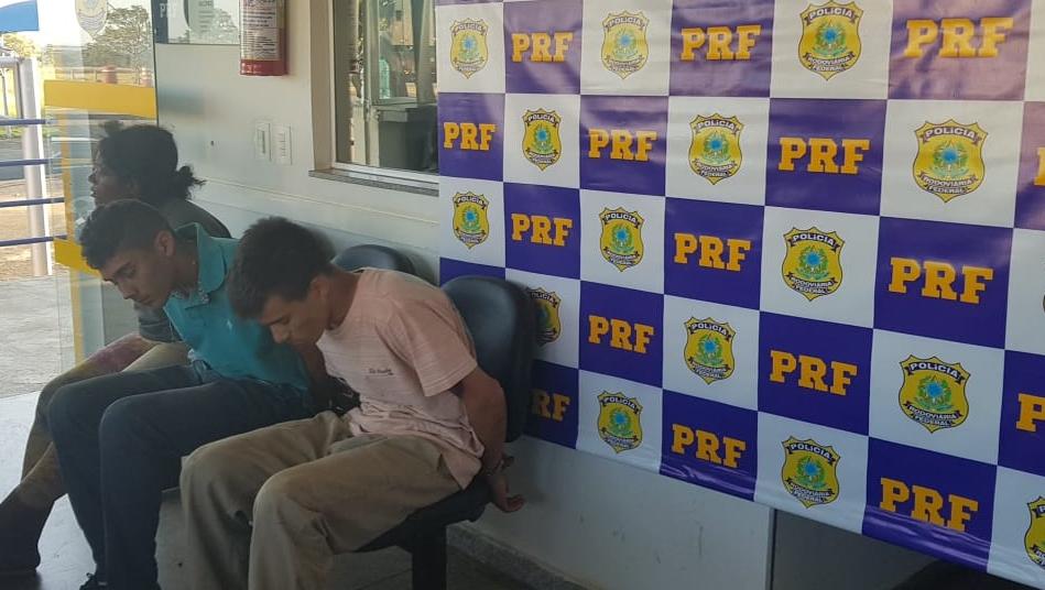 Suspeitos de integrar quadrilha que realizava assaltos em fazendas são presos em Goiás