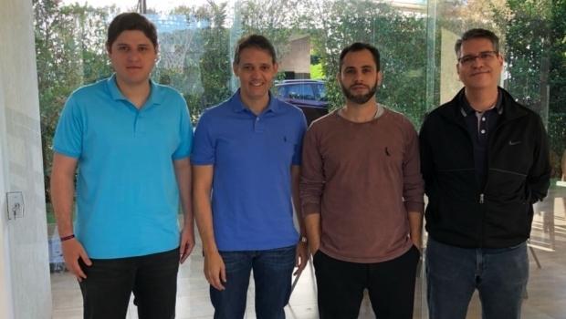Deputados do PSD fecham apoio integral à candidatura de José Eliton