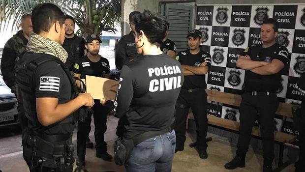 Polícia prende associação criminosa que vendia diplomas falsos