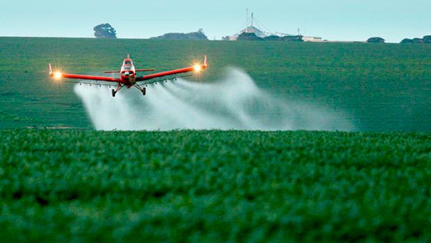 Projeto de Lei que flexibiliza registro de agrotóxicos afetará saúde e meio ambiente