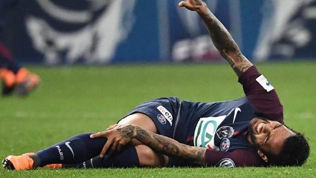 Daniel Alves está fora da Copa do Mundo