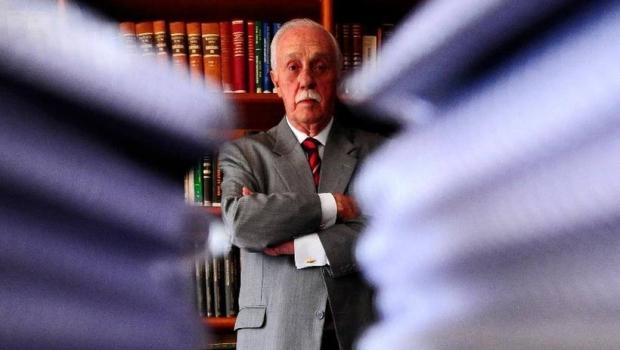 Morre o jurista José Gerardo Grossi. Ele tinha câncer