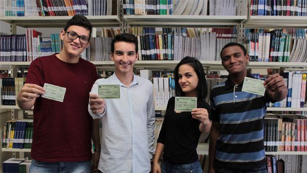 Eleitores de 16 e 17 anos acreditam na mudança do Brasil por meio da política