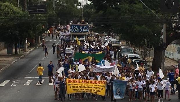 Marcha contra o aborto complica trânsito no Centro de Goiânia
