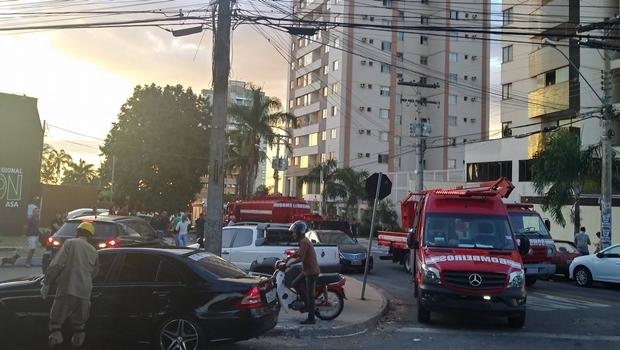 Perícia apura causa de incêndio em garagem de prédio em Goiânia