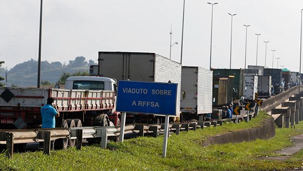 Governo federal estuda medidas para conter nova greve dos caminhoneiros - Jornal Opção